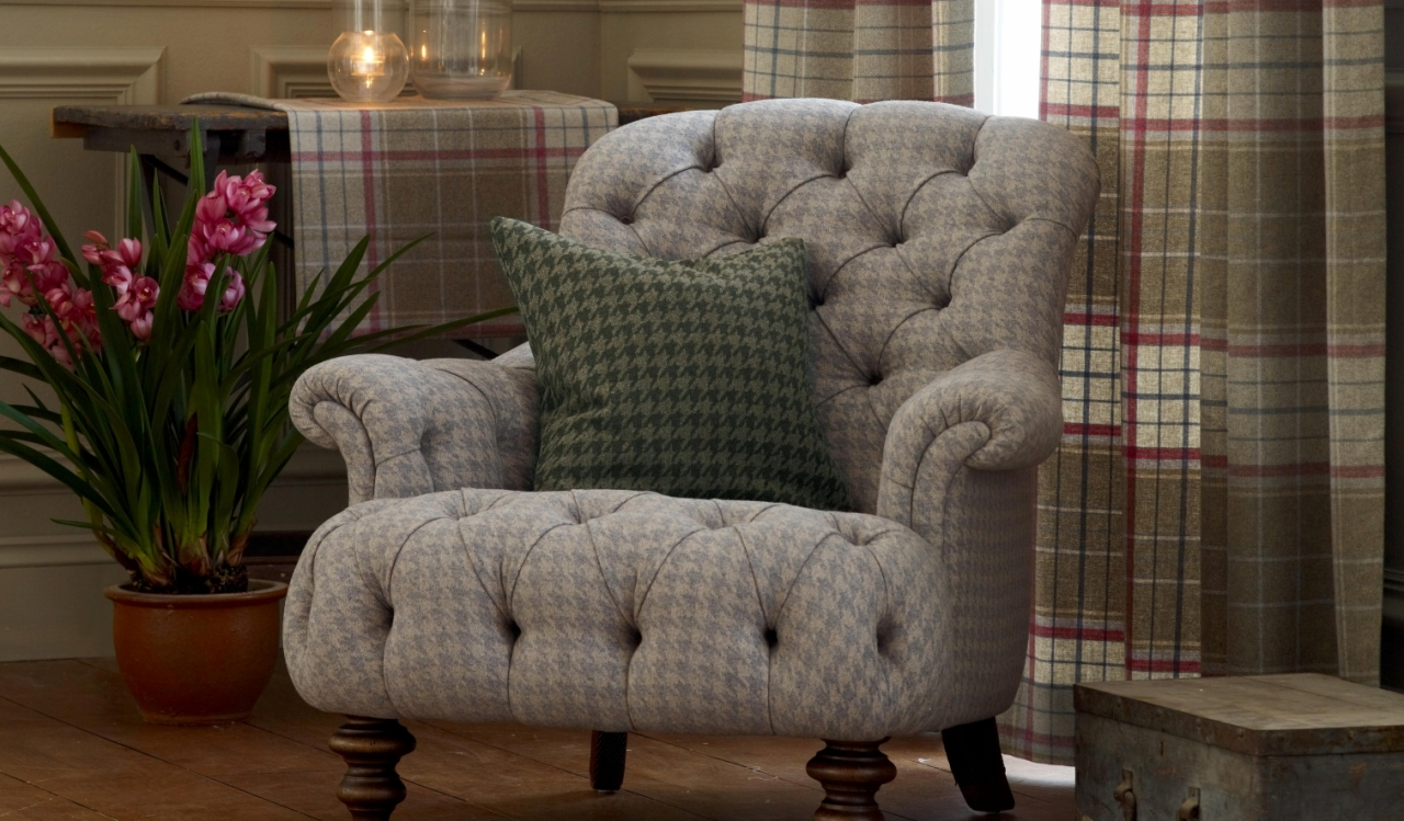 Crinoline Chair in Houndstooth Dove